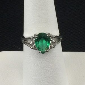 Emerald green CZ ring, sterling silver